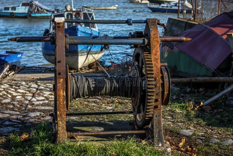 Rusty Pulley anziano per le barche di Winching immagine stock libera da diritti