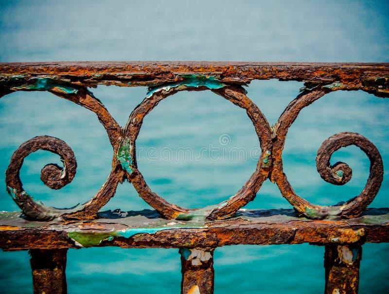 Rusty Railings d'annata fotografie stock