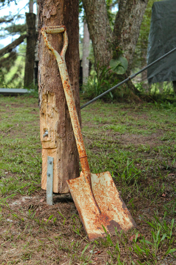 Rusty Shovel foto de stock royalty free