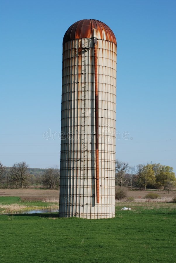 Free Rusty Silo Royalty Free Stock Images - 5111959