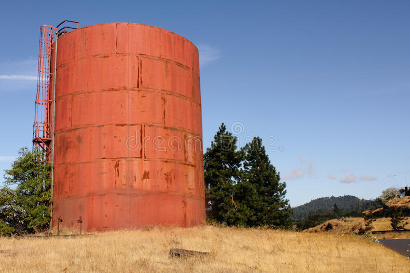 Download Rusted storage tank stock photo. Image of columbia, large - 20729112