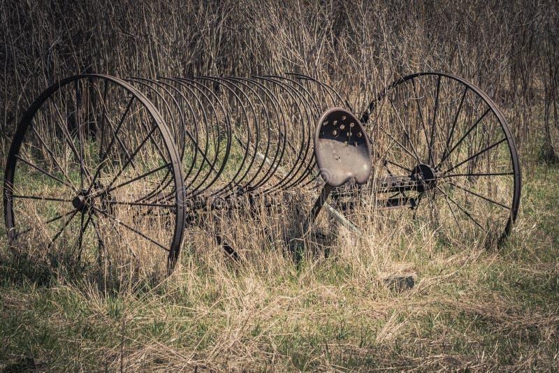 Rusty Vintage bespannter Hay Rake lizenzfreies stockbild