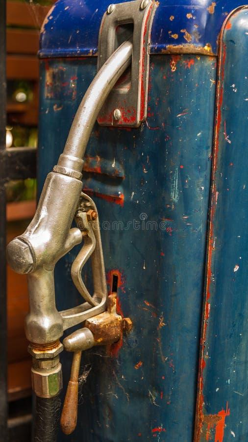 Rusty Vintage Fuel Pump, Tanksäuledüse stockfotografie