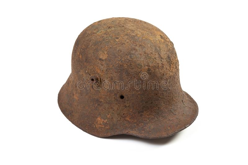 Rusty Vintage German Helmet Isolated imagem de stock