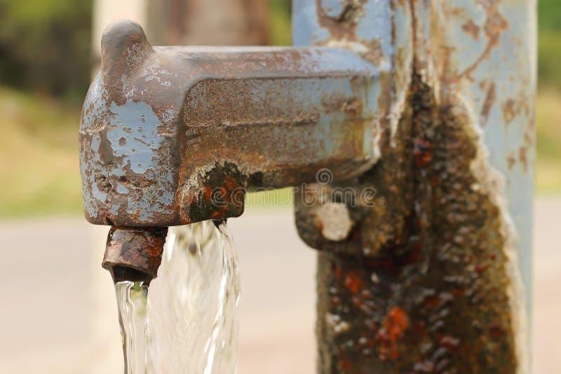 Rusty Water Pump Tap imagem de stock royalty free