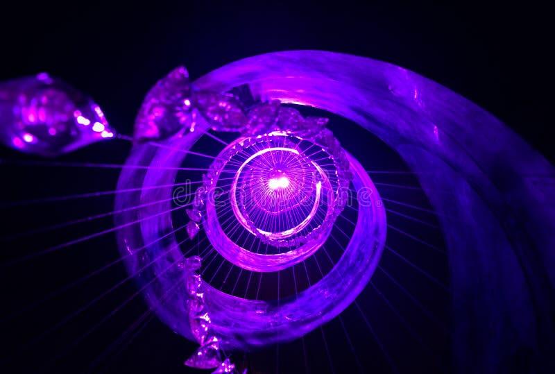 Ruszać się po spirali w światło zdjęcia stock