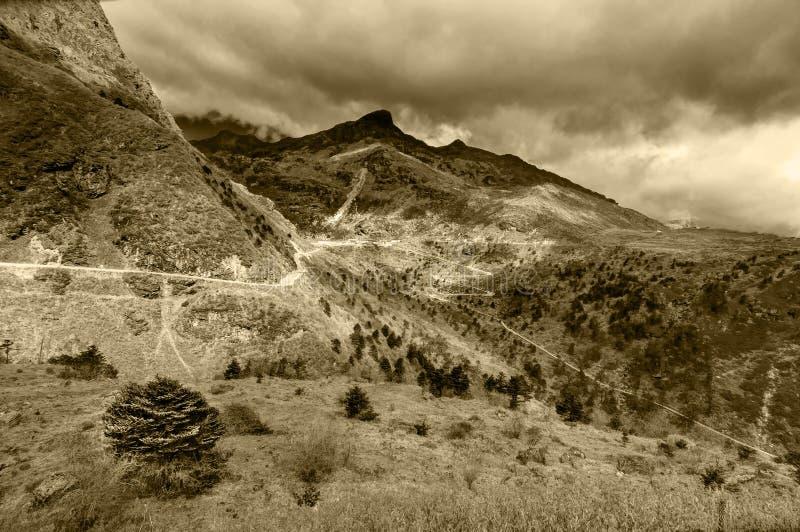 Ruta comercial del camino, de seda entre China y la India Curvy foto de archivo