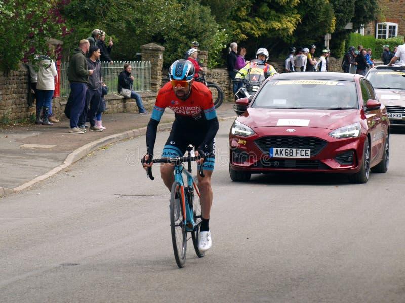 2019 Rutland-Melton Cicle klasyk: Pro cyklista Johnny McEvoy Madison geneza goni replikować peloton obrazy stock
