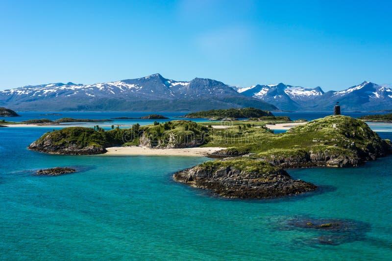 Rutt 862 i Troms, nordliga Norge royaltyfria bilder