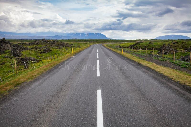 Rutt 1 Ring Road nära Myvatn sjön nordöstra Island Skandinavien arkivbilder