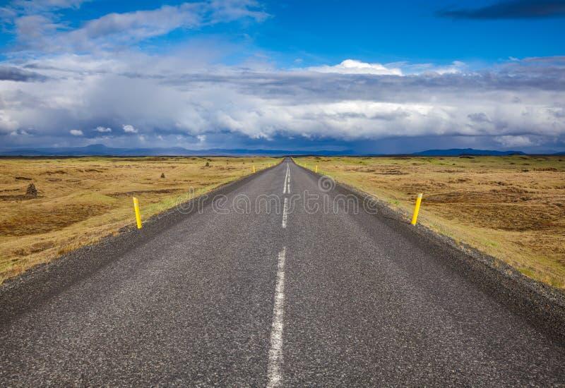 Rutt 1 Ring Road Northeastern Iceland Scandinavia royaltyfria foton