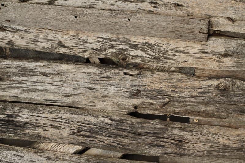 Rutten wood plankabakgrund royaltyfri foto