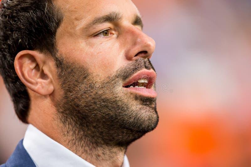 Ruud van Nistelrooy assistentlagledare av det holländska fotbolllaget royaltyfria foton