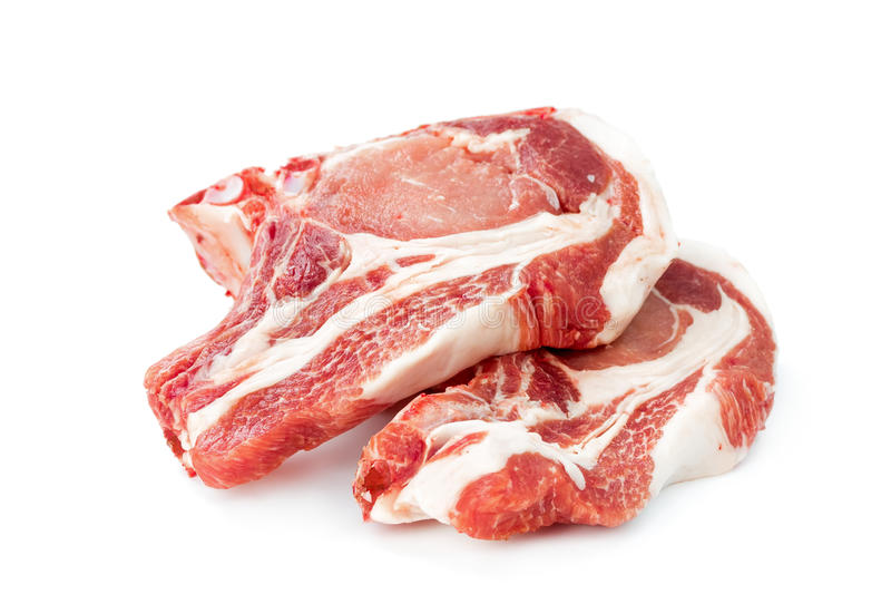 Ruw die varkensvleesvlees op wit wordt geïsoleerd stock foto