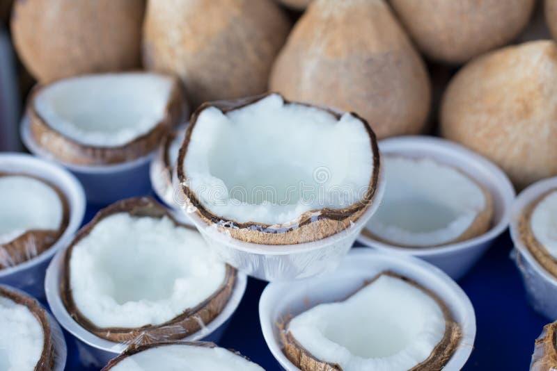 Ruw dik kokosvlees goed gezond voedsel stock foto