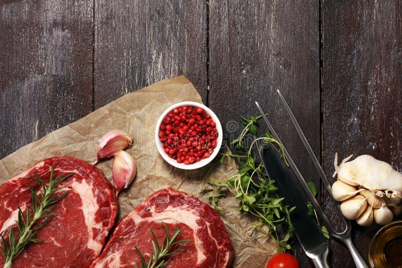 Ruw lapje vlees Barbecue Rib Eye Steak, droog Oud Wagyu-Entrecôte Stea stock fotografie