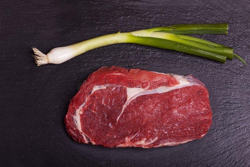 Ruw sappig rundvleeslapje vlees royalty-vrije stock foto's