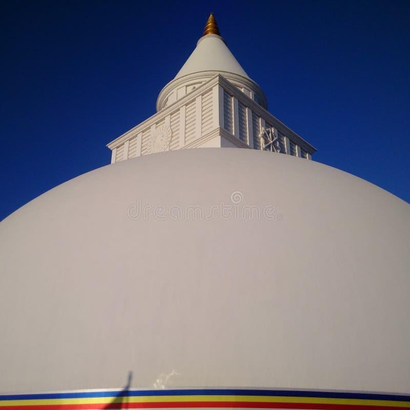 Ruwanwalisaya buddist Sthupa i Anuradhapura Sri Lanka arkivfoton
