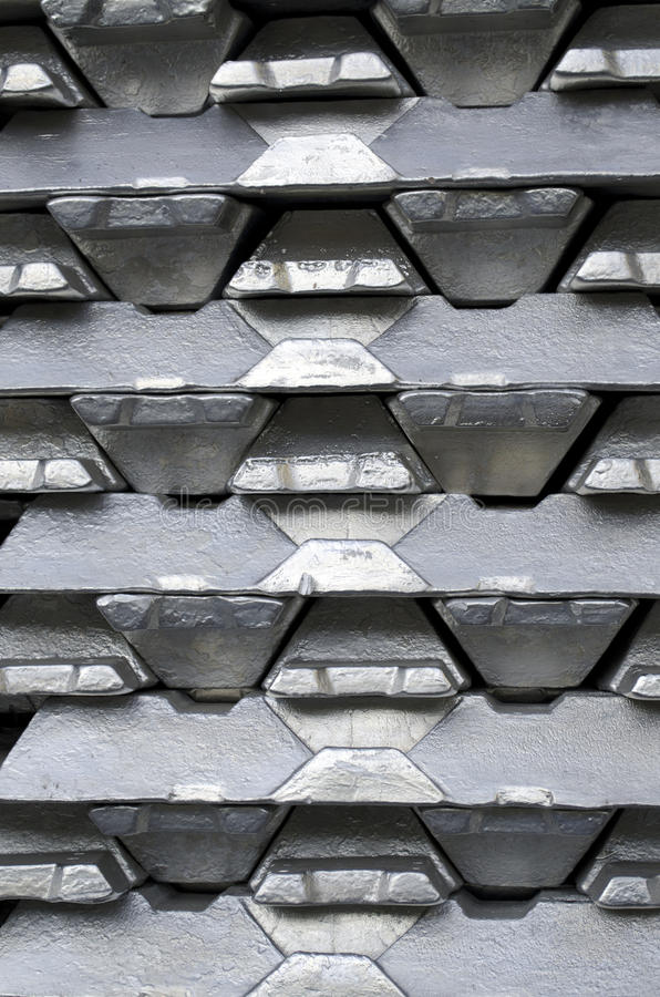 Ruwe aluminiumbaren royalty-vrije stock foto's