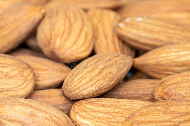 Download Ruwe Amandelnoten Voor Het Roosteren Van Close-up Stock Foto - Afbeelding bestaande uit voedsel, droog: 114226820