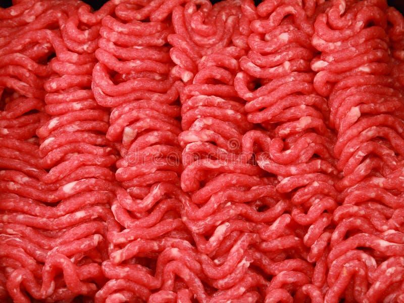 Ruwe fijngehakte rundvleesclose-up stock afbeelding