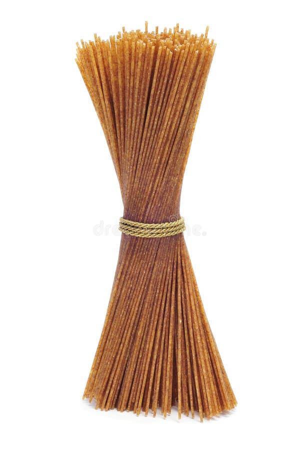 Ruwe gehele tarwespaghetti stock afbeelding