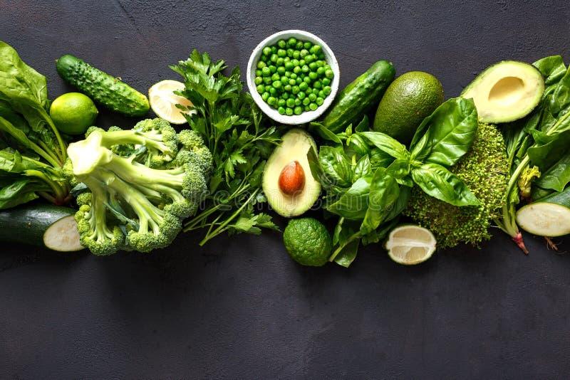 Ruwe gezonde voedsel schone het eten bovenkant vi van groenten groene groenten royalty-vrije stock foto
