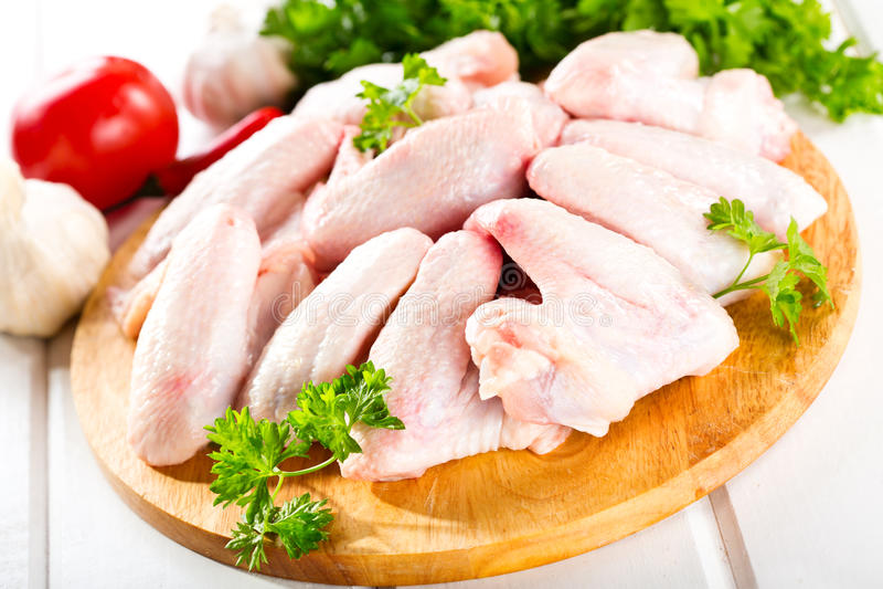 Ruwe kippenvleugels royalty-vrije stock foto