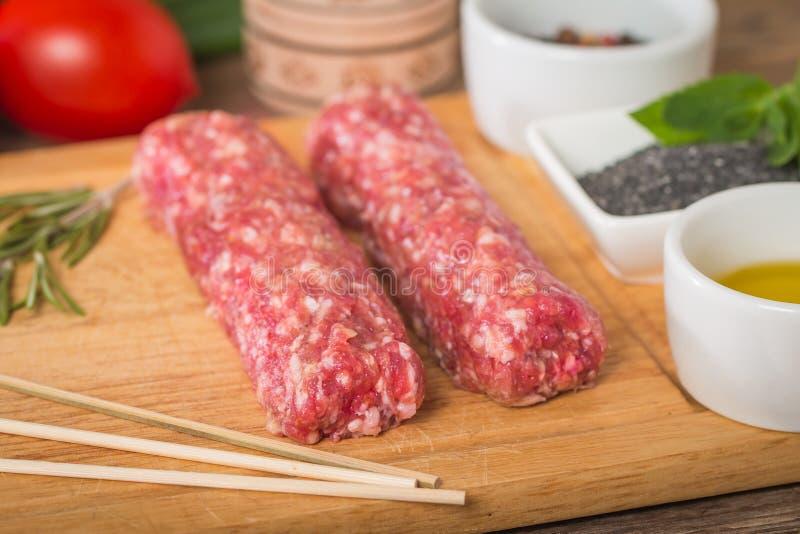 Ruwe Turkse Traditionele Vleeskebab royalty-vrije stock fotografie
