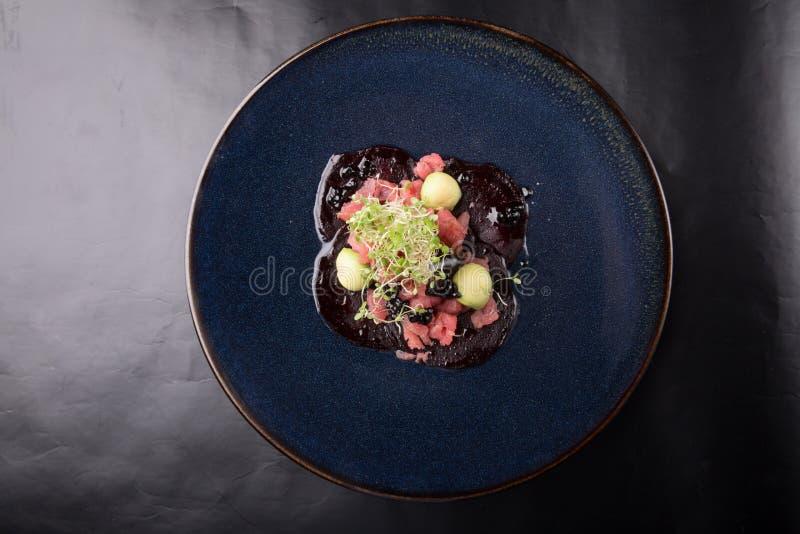 Ruwe zeevruchtentonijn tartare royalty-vrije stock foto's