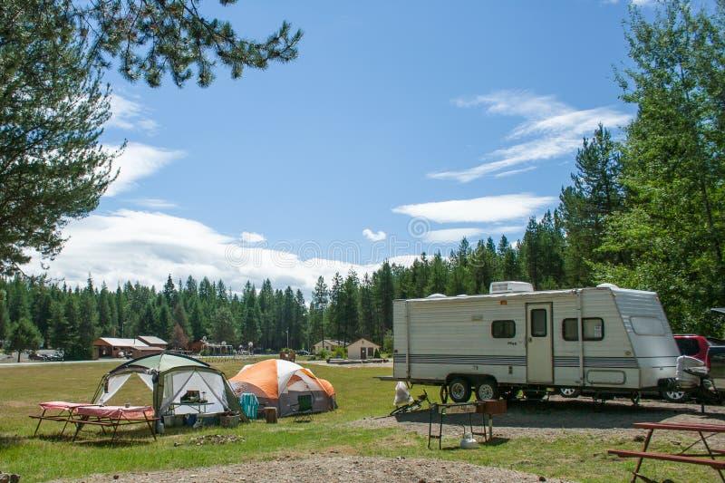RV和帐篷露营地 免版税库存图片