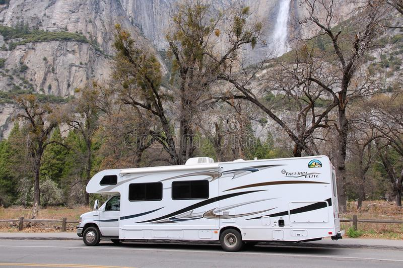 Rv in het Nationale Park van Yosemite stock fotografie