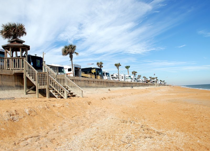 Rv que acampa na praia Florida imagens de stock royalty free