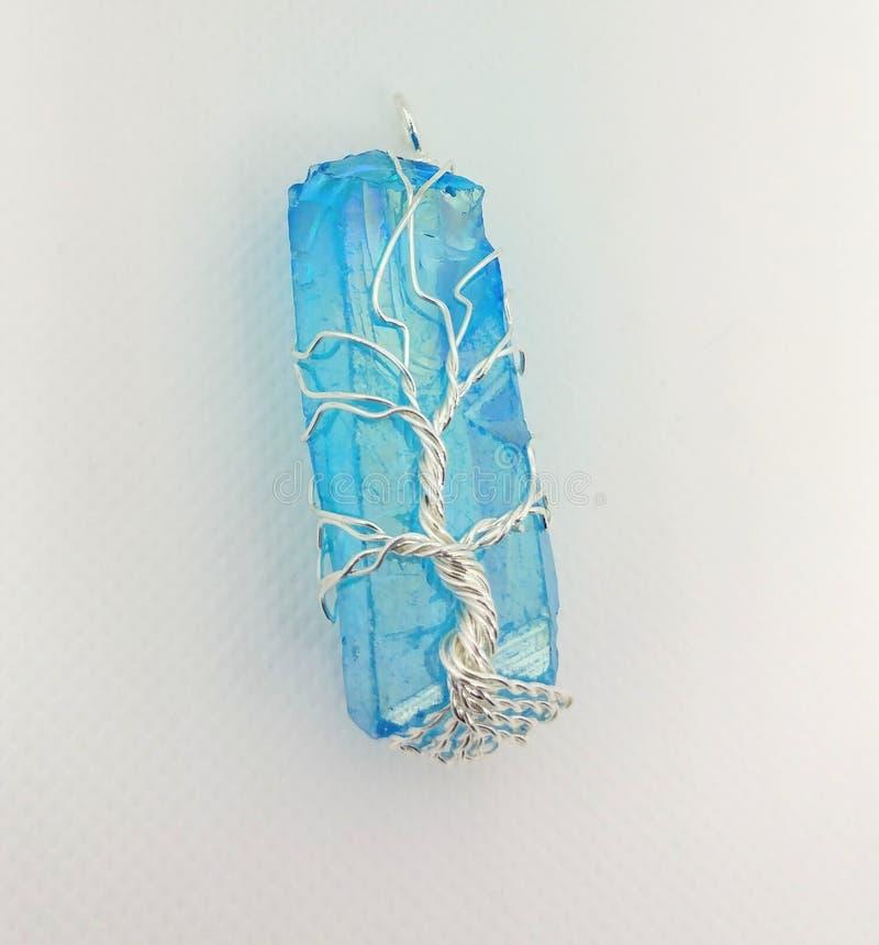 ?rvore de cristal de Aqua Aura do envolt?rio do fio da vida fotos de stock