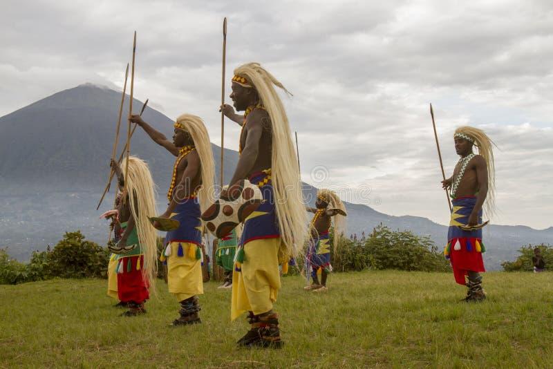 Rwanda infödd danssoldat, Virunga, Afrika arkivfoton