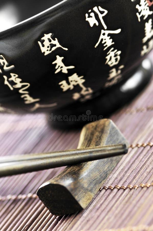 ryżowi pucharów chopsticks zdjęcia royalty free