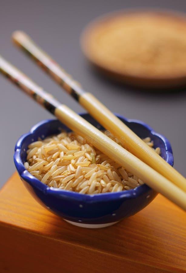 ryżowi puchary pucharów chopsticks zdjęcie stock