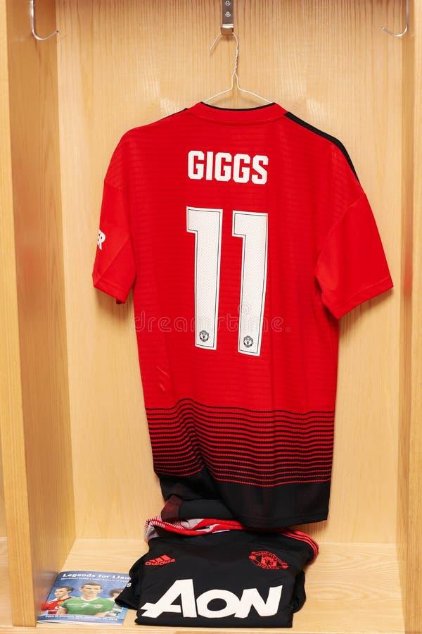 Ryan Giggs Jersey klaar voor de Liam Miller Tribute-gelijke stock afbeeldingen