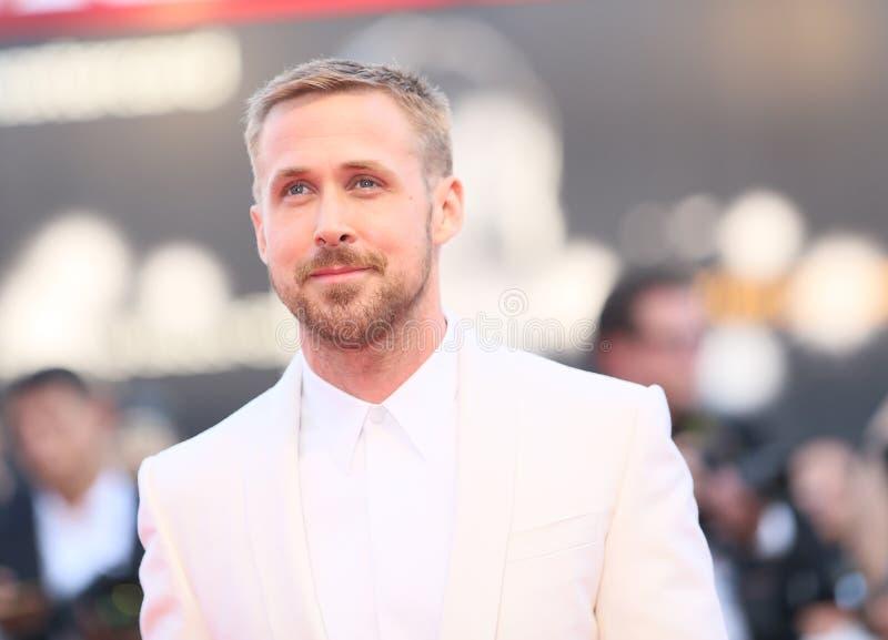 Ryan Gosling cammina il tappeto rosso fotografie stock