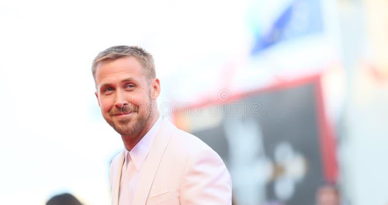 Ryan Gosling cammina il tappeto rosso immagini stock libere da diritti