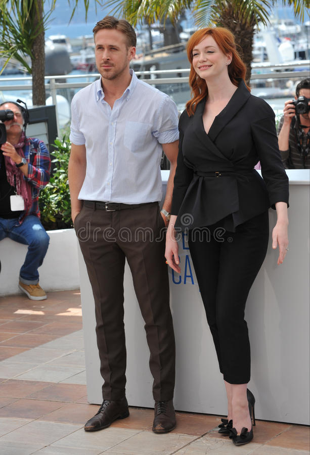 Ryan Gosling & Christina Hendricks fotografering för bildbyråer