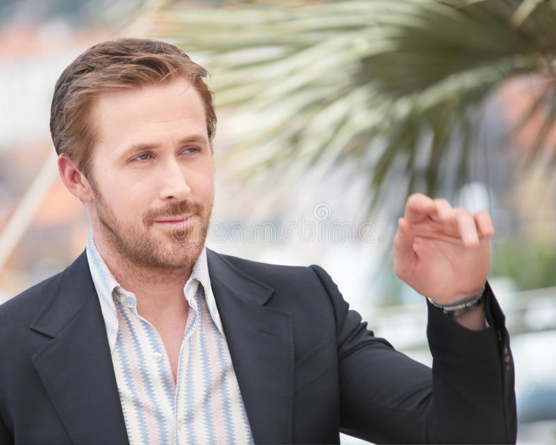 Ryan Gosling faisant des selfies Nice au ` de types photos stock