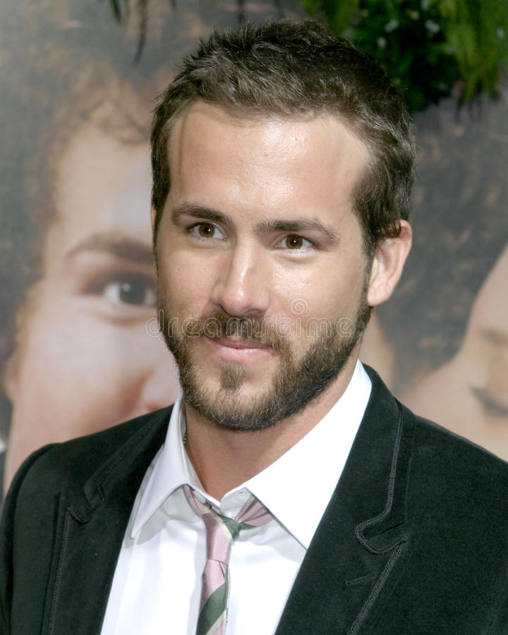 Download Ryan Reynolds redaktionelles stockbild. Bild von premiere - 26358194