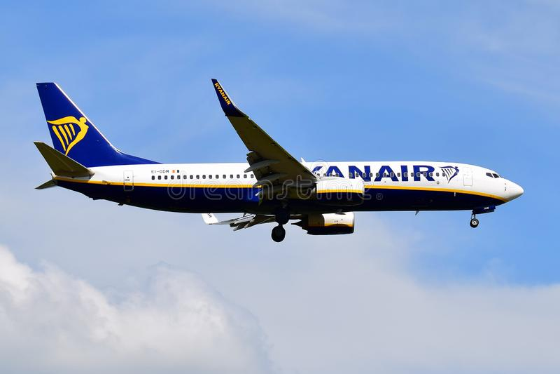 Ryanair Боинг 737 стоковые фото