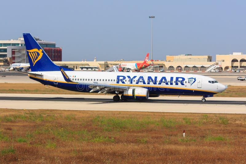 Ryanair Боинг 737 на Мальте стоковое фото rf
