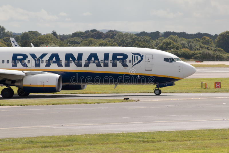 ryanair 737 Боинг стоковая фотография rf