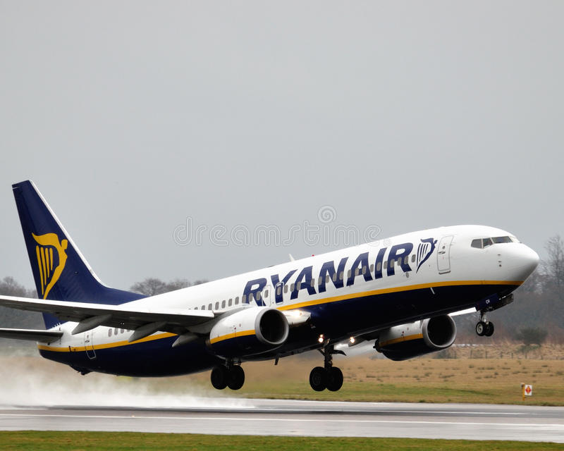 Ryanair Boeing 737 fotos de stock royalty free