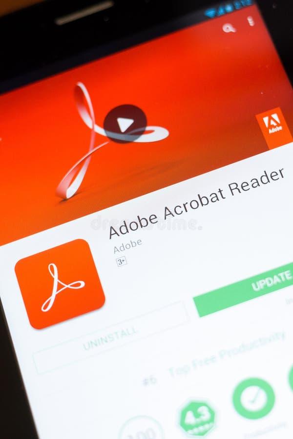 Ryazan, Rusia - 24 de junio de 2018: Adobe Acrobat Reader app móvil en la exhibición de la tableta fotos de archivo libres de regalías