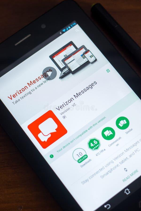 Ryazan, Rusia - 21 de marzo de 2018 - mensajes app de Verizon en una exhibición de la tableta foto de archivo