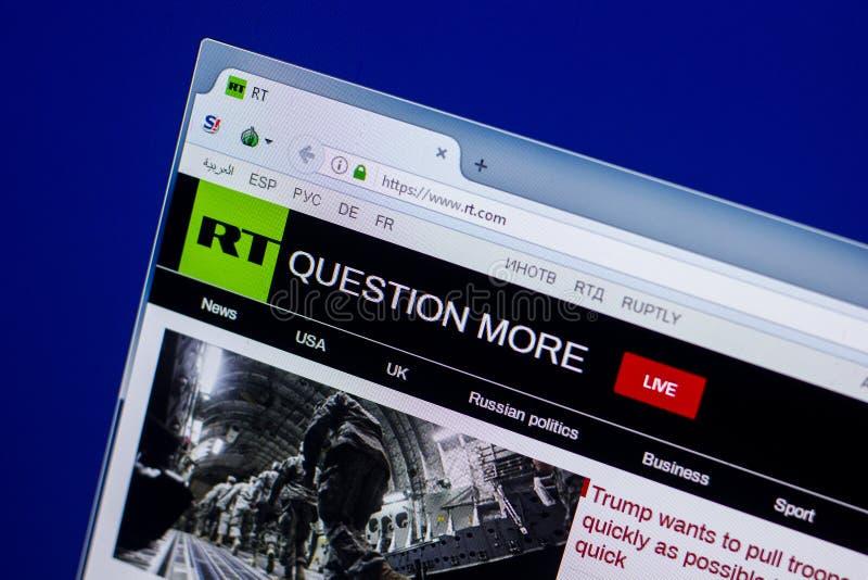 Ryazan, Rusland - April 16, 2018 - Homepage van de website van Rusland vandaag op de vertoning van PC, url - rechts com stock afbeeldingen